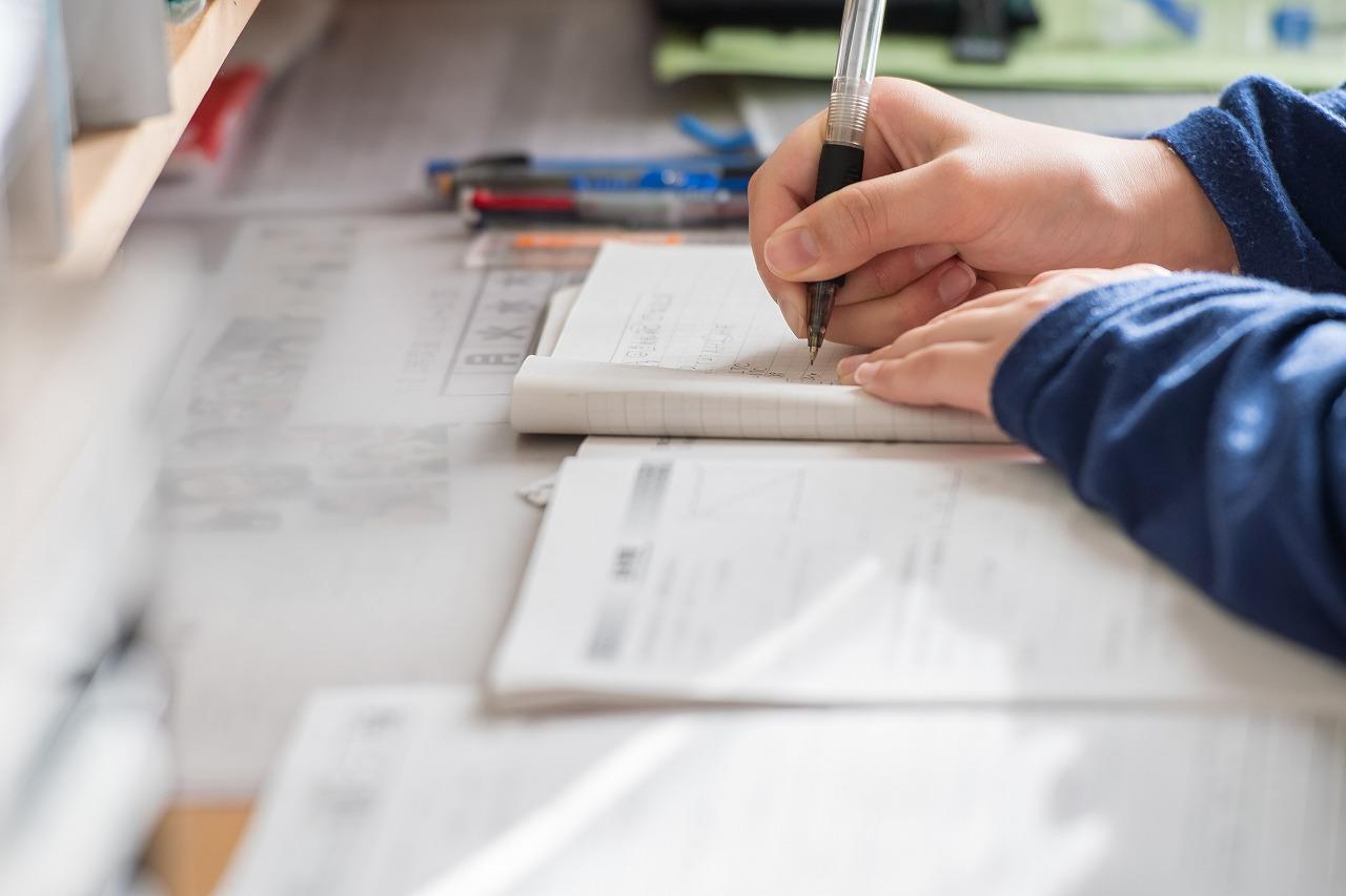 電気工事業界で働くために必要な資格とは?